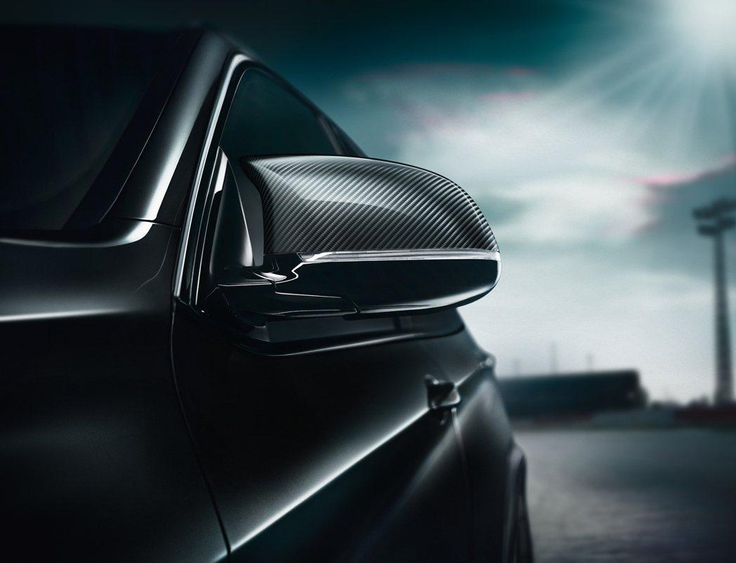 碳纖維後視鏡。圖/BMW提供