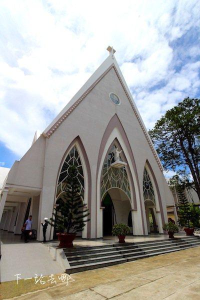 大叻街上歐式風情的教堂。 攝影/賴勳毅