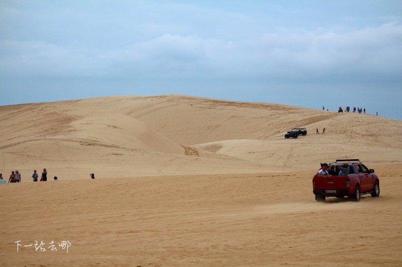 讓人誤以為置身沙漠的白沙丘。 攝影/賴勳毅