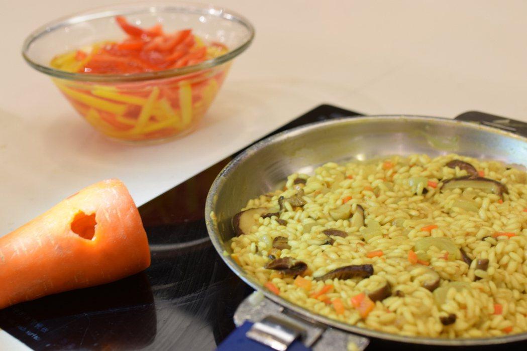 剩食和賣相不佳的蔬果,也可製成美味料理。圖/台灣觀光協會提供