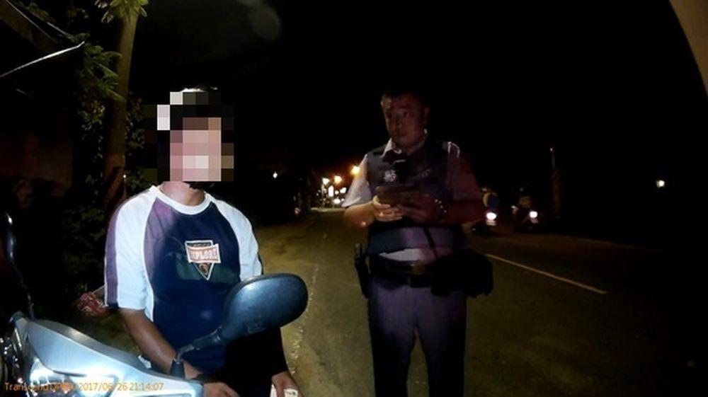 陳姓男子毒品案被通緝,警方盤查時謊報弟弟姓名及身分證字號。記者謝恩得/翻攝