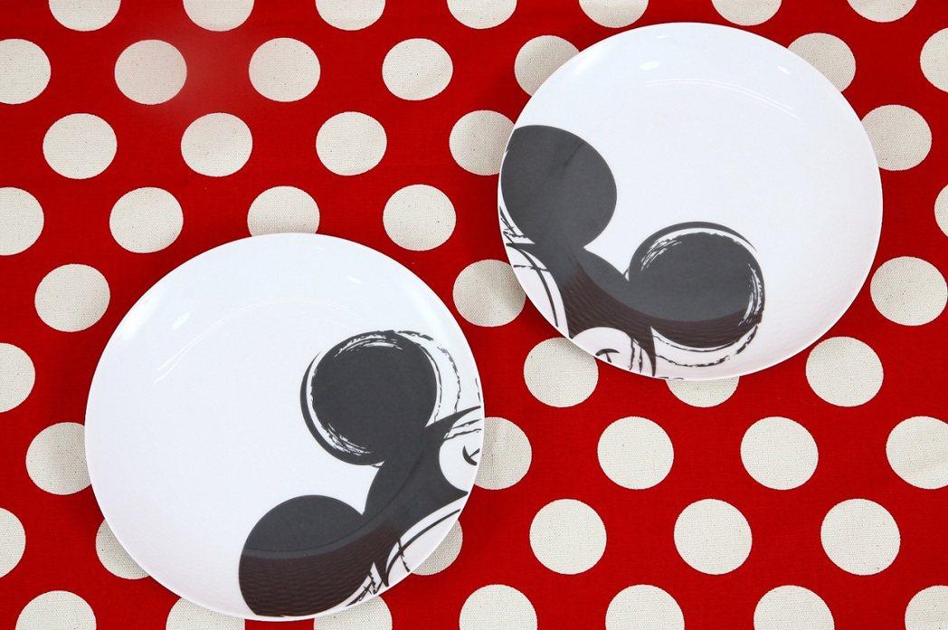 米奇夢幻餐桌餐具組點心餐盤2入。圖/頂好提供