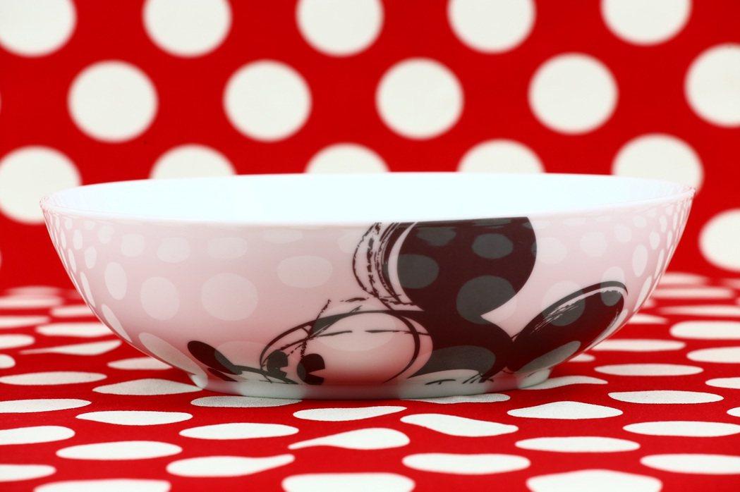 米奇夢幻餐桌餐具組大湯碗。圖/頂好提供