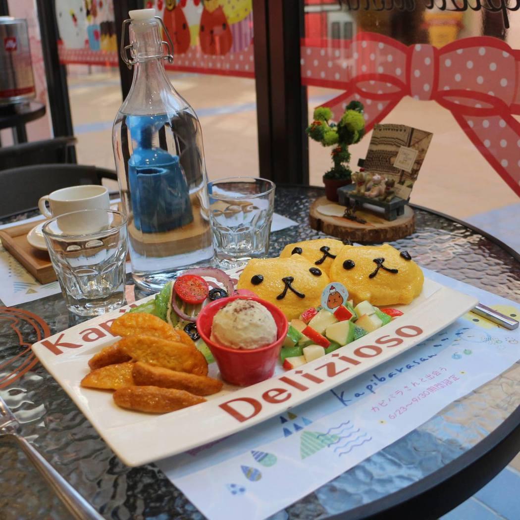 水豚君主題餐廳中可吃到可愛的水豚君餐點。圖/麗寶樂園提供