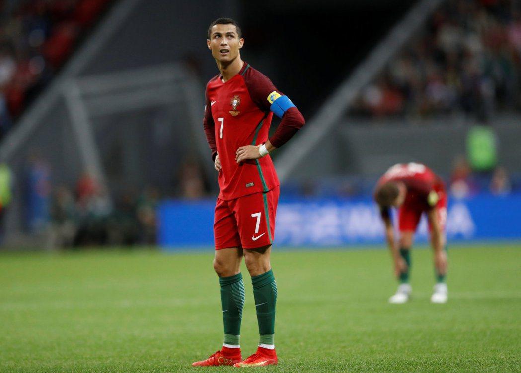 葡萄牙形勢大好卻落敗,C羅一臉無奈。 路透