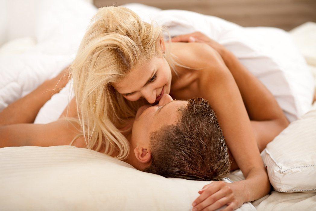 示意圖。根據一項性史調查發現,有超過4成18到35歲民眾面對另一半詢問過去性史時...