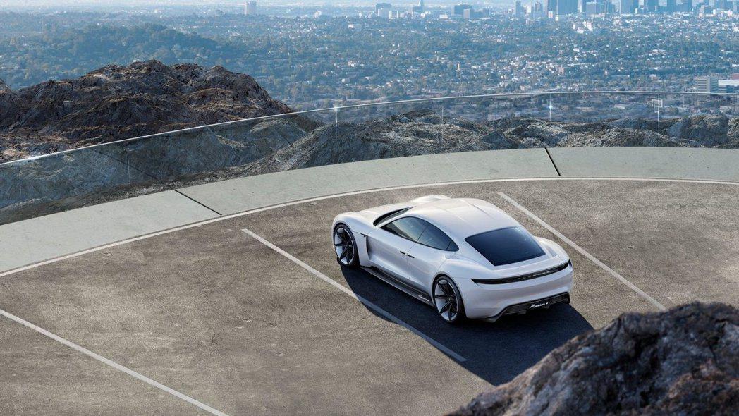 Porsche 投入電動車市場,全面量產Mission E。 摘自 Porsche