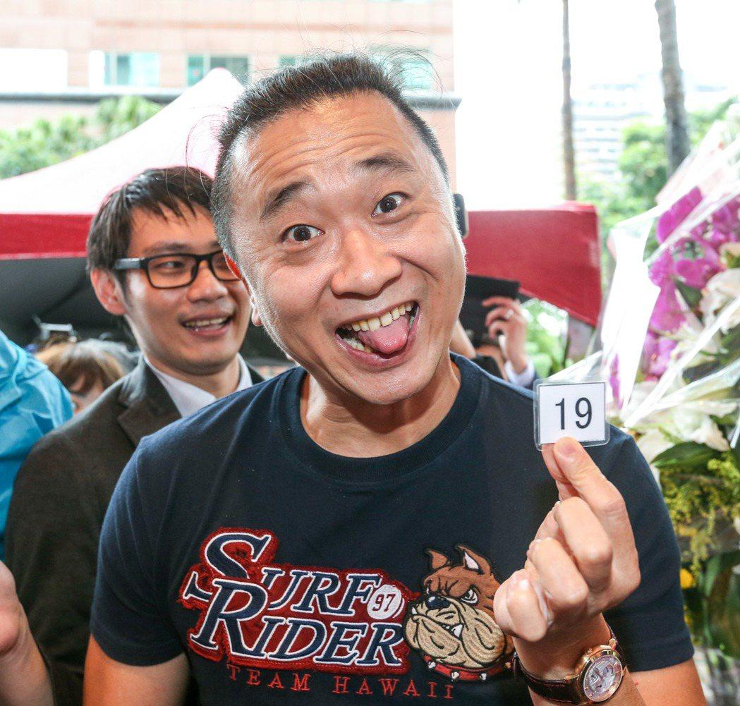 藝人邰智源也前往一蘭拉麵,以19號搶先品嘗。記者鄭清元/攝影