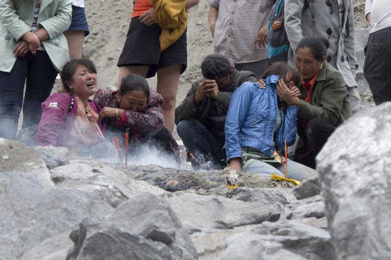 移動的大地(上):川震之殤?四川茂縣崩塌的歷史現場