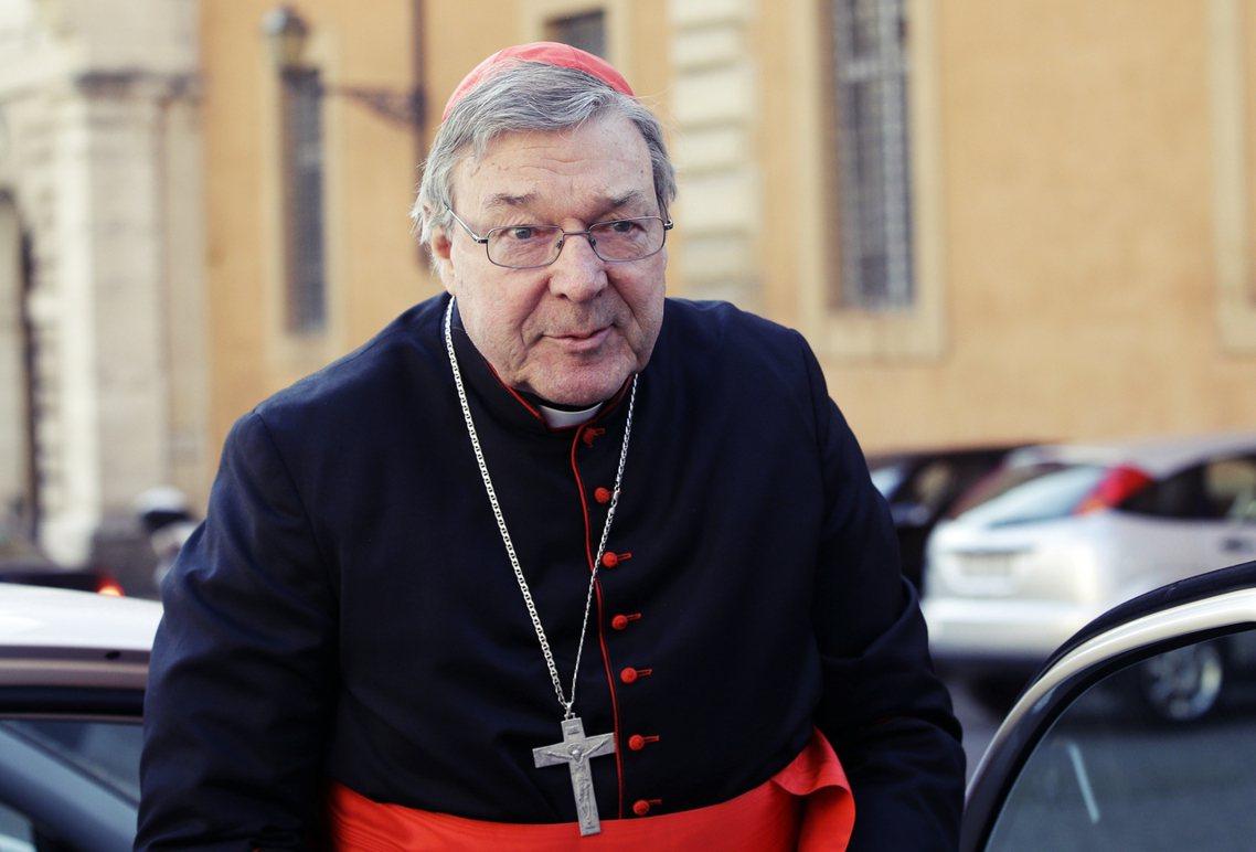 這回的起訴,也讓位高權重的佩爾(圖),成為天主教會中,涉入性侵醜聞最高階的神職人...