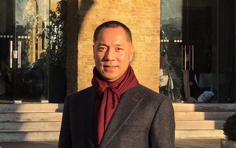 郭文貴說:「我不認識劉曉波,但知道劉曉波追求民主、人權,很偉大,應該得到最好的治...
