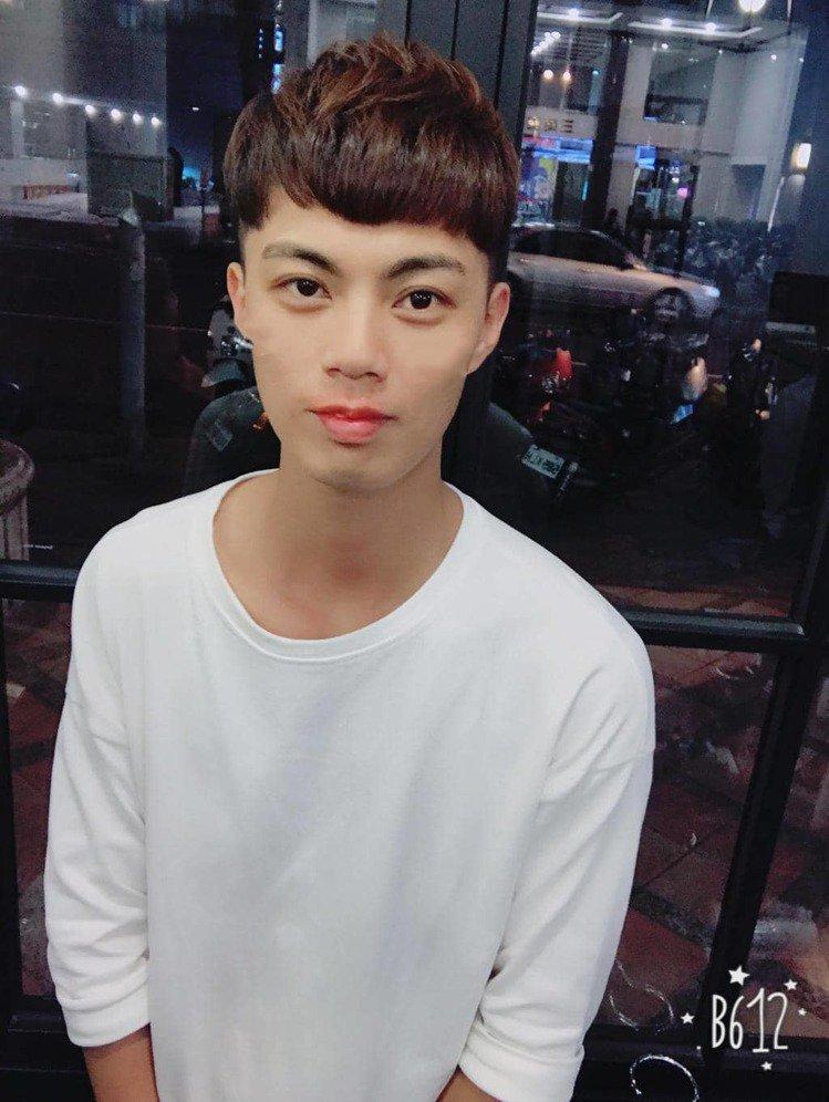 髮型創作/斐瑟高雄設計店 VISAVIS HAIR DESIGN - 孟夢-Mo...