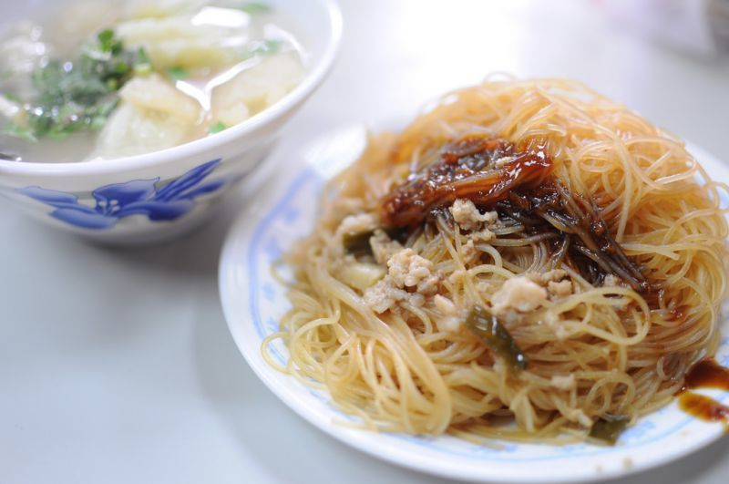 獨特的氣候條件,造就了新竹盛產米粉的優勢,炒米粉更是各地遊客到新竹必吃的美食。(...