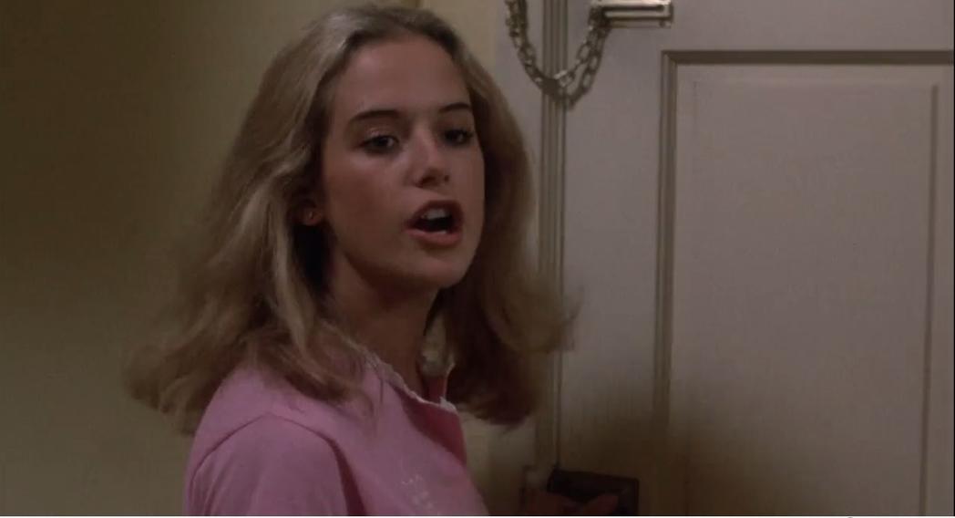 初入影壇的凱莉普瑞斯頓,在「處刑在午夜」軋上一角。圖/翻攝自YouTube