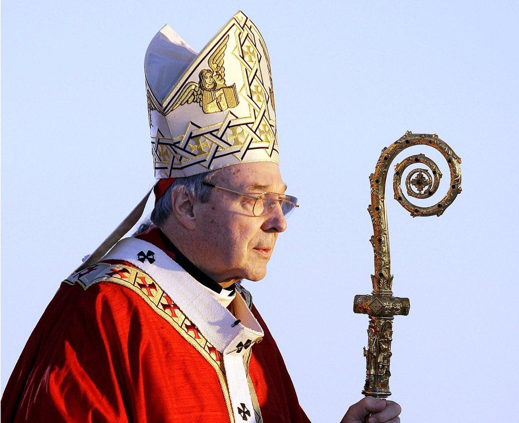 梵諦岡樞機主教佩爾「堅決否認」澳洲警方對他提起的多項性侵指控,他將返澳洲出庭應訊...