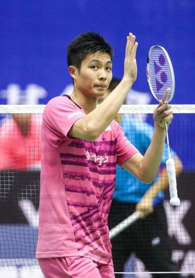 周天成直落二晉級8強。記者鄭清元/攝影