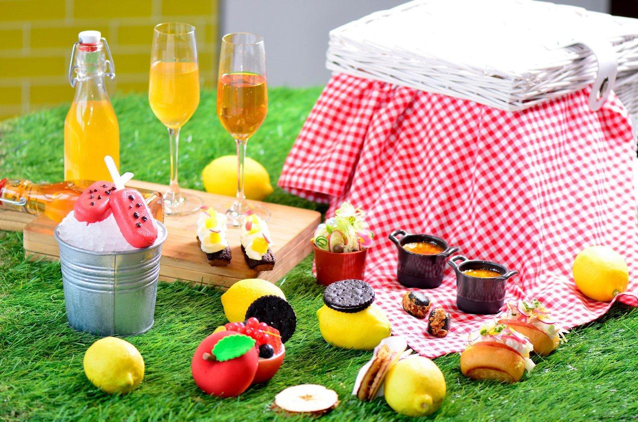 檸夏下午茶以編織籃、創意午茶點心打造野餐氛圍。圖/台北W飯店提供