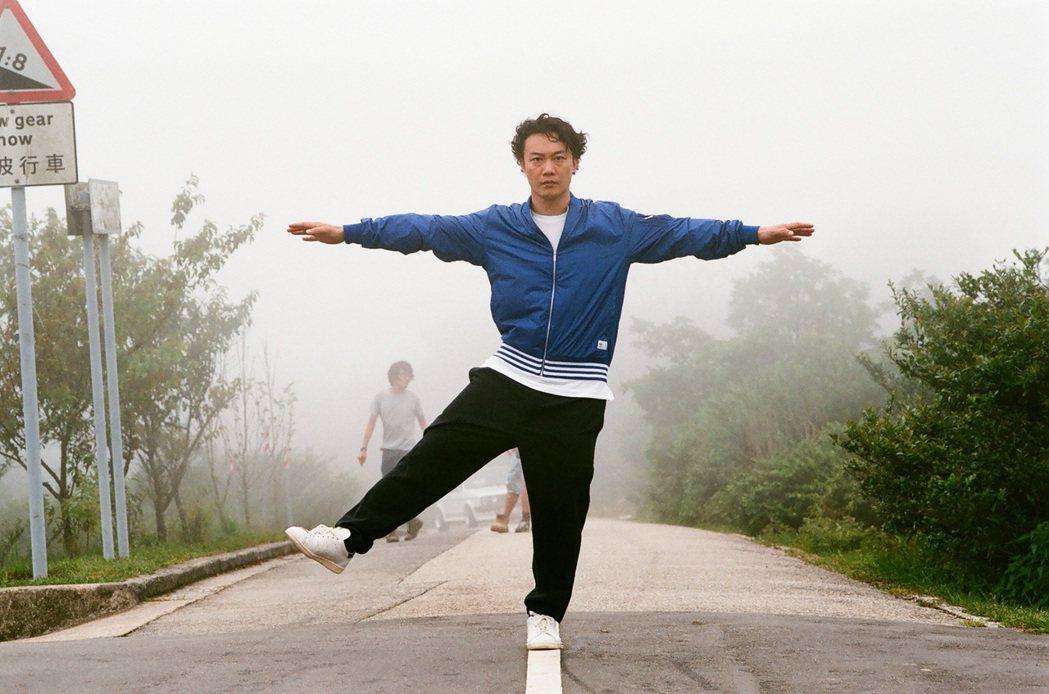 陳奕迅拍攝新歌「放」MV。圖/環球唱片提供