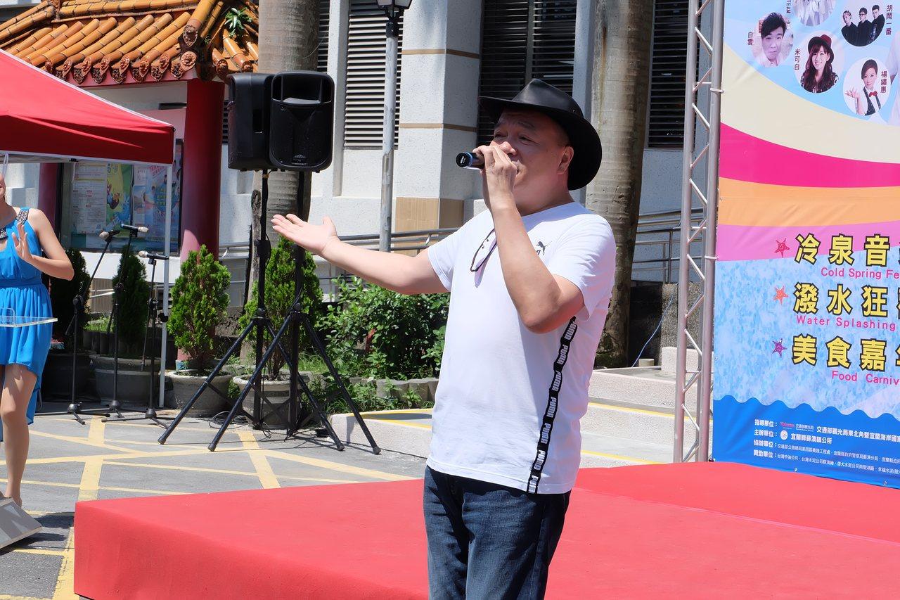 7月8日晚間的浪漫經典民歌之夜,邀請藝人李明德到場獻唱。記者張芮瑜/攝影