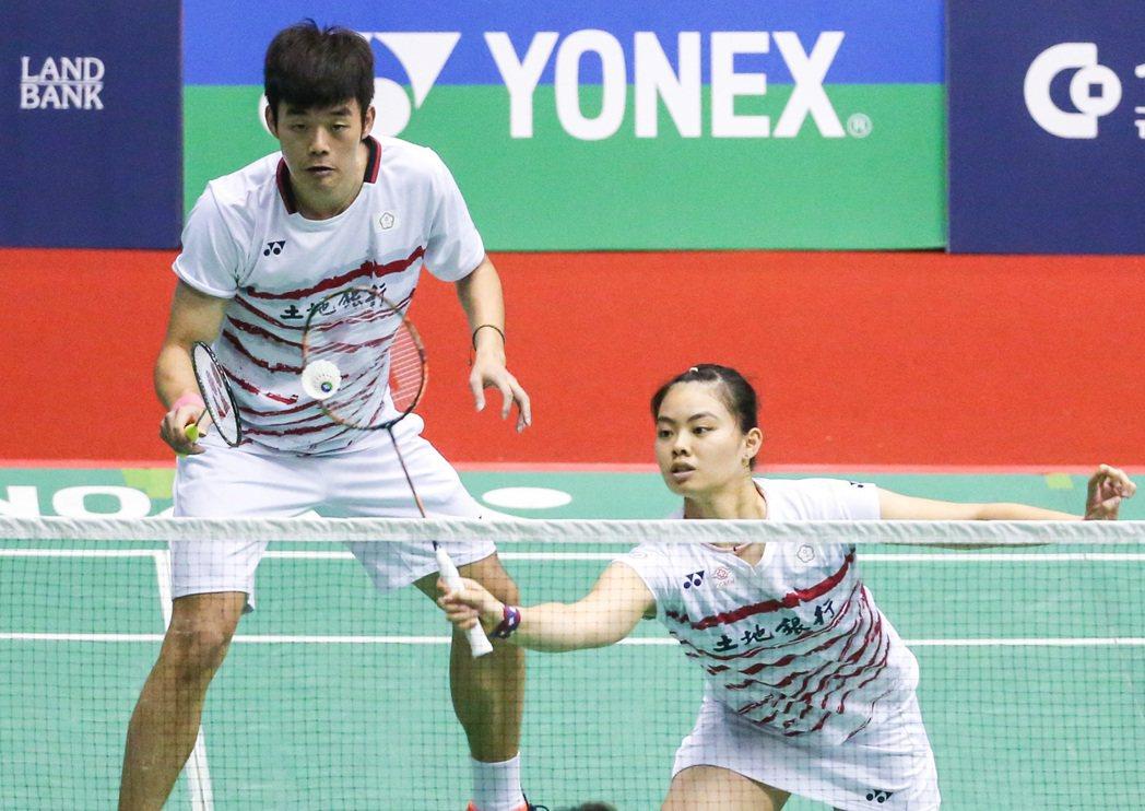 王齊麟(左)與李佳馨(右)晉級8強。記者鄭清元/攝影