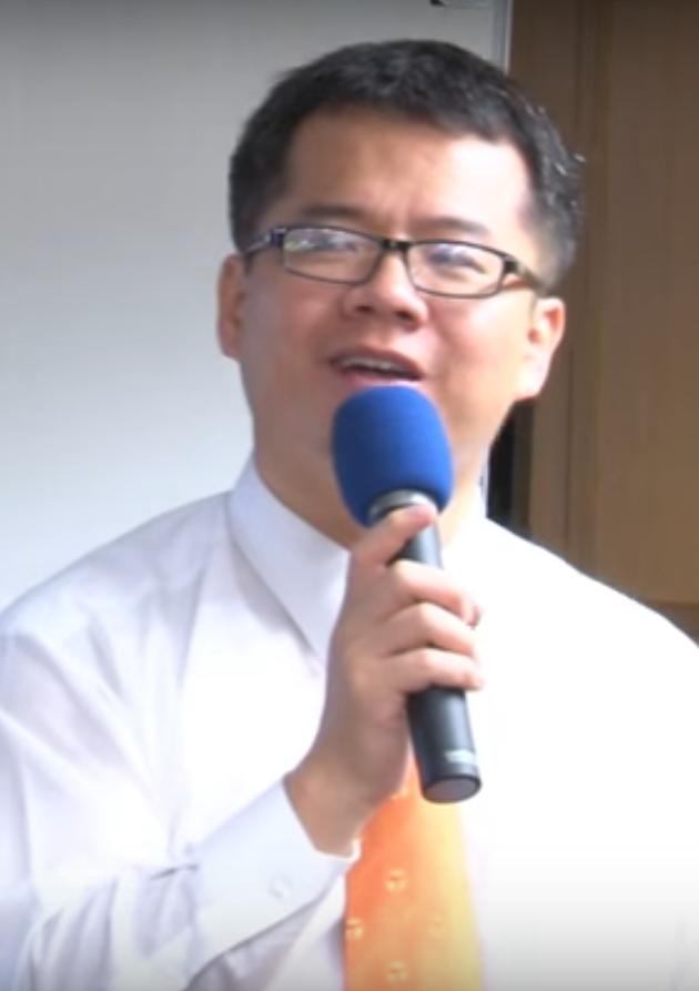 現年42歲的邱太煊曾擔任財經記者,七年前轉戰房地產界,為前台灣房屋不動產研究中心...