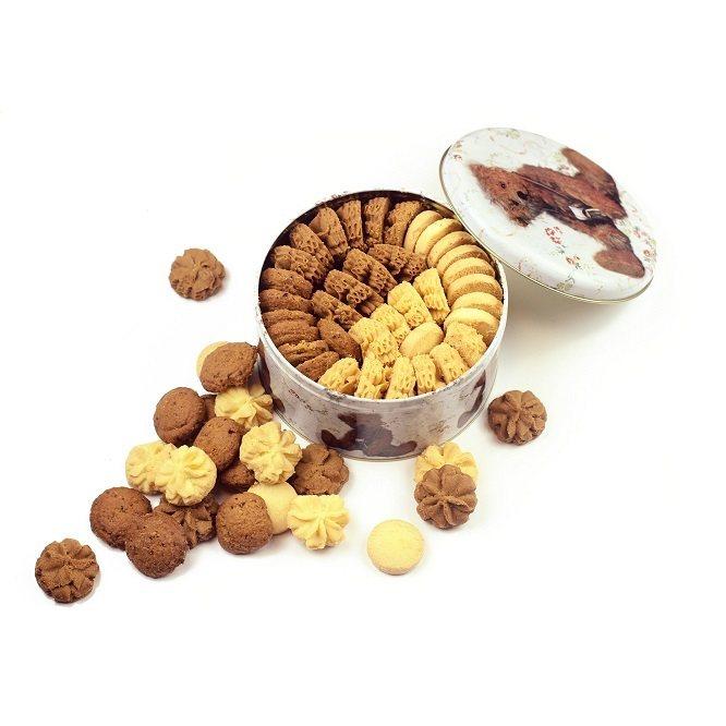 珍妮曲奇聰明小熊餅乾分別在微風松高、微風南京快閃。圖/微風提供