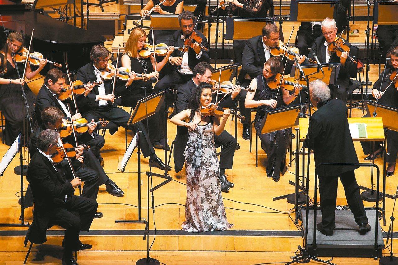 古典音樂天團「英國皇家愛樂管弦樂團」歡慶創團七十周年,九月二十五日、二十六日來台...