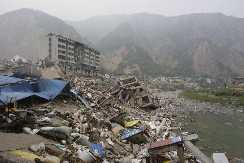 汶川人不怕地震,但困於土石流。「修建完的道路,來個大雨,就都毀了。」 圖/路透社