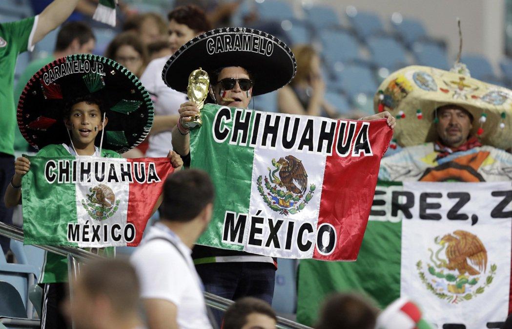 墨西哥人相當熱愛足球,為了看這一次的「聯合會杯」,不少球迷花上20小時飛往俄羅斯...