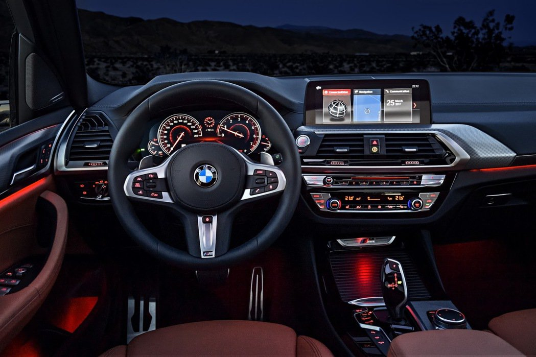M款真皮方向盤。 摘自BMW