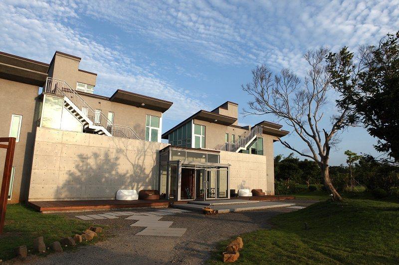 森五七行館採包棟式度假villa,全館就只有兩間包棟客房。