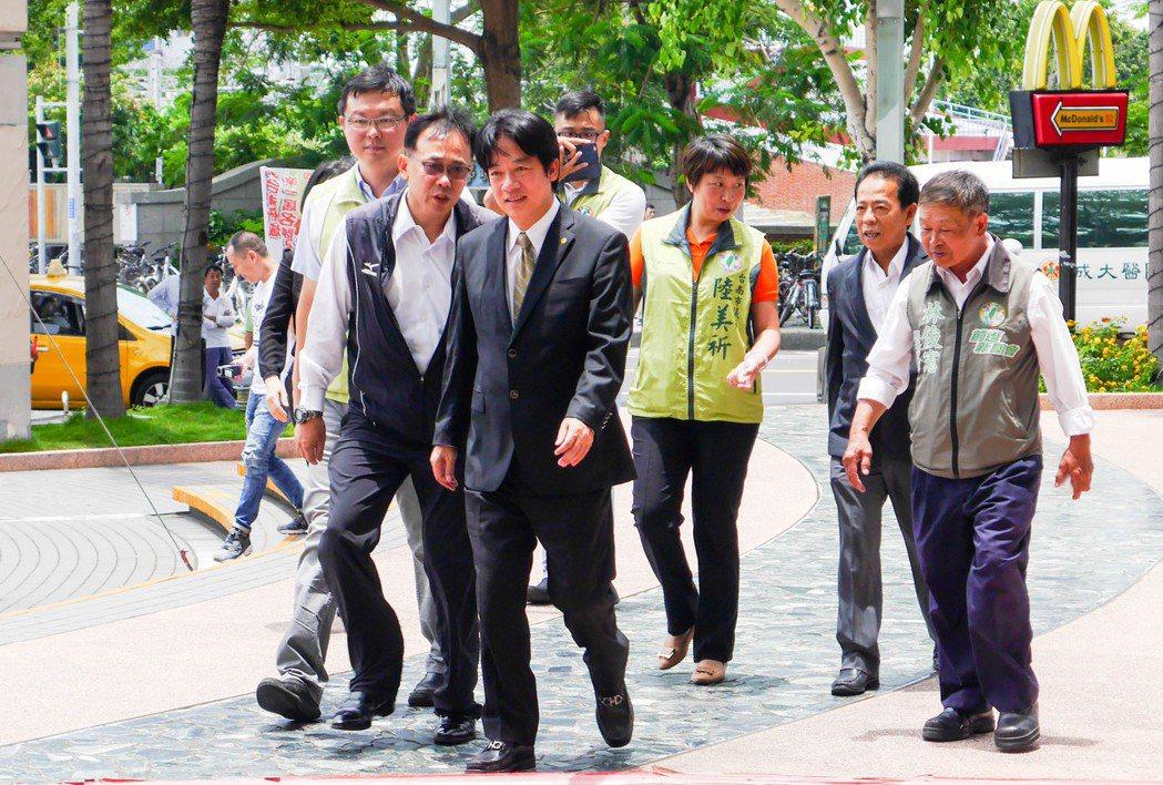 台南市長賴清德表示,民進黨上下都支持蔡英文,也希望在她的領導下全力推動台灣改革,...