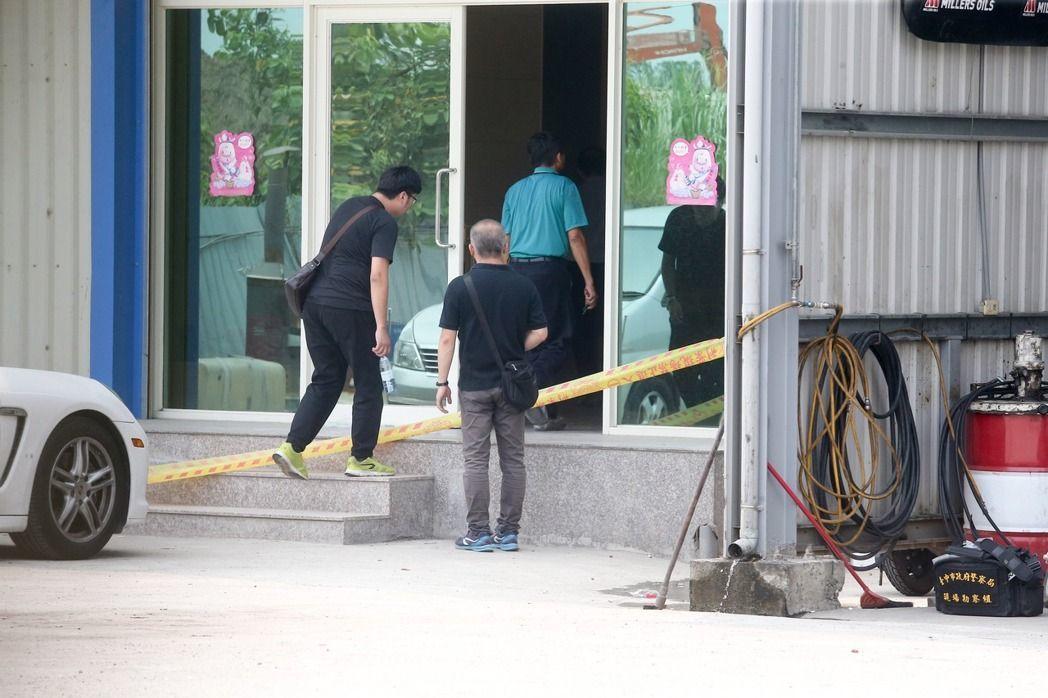 台中市烏日區遠雄通運公司今午發生槍擊案,造成兩死。記者黃仲裕/攝影