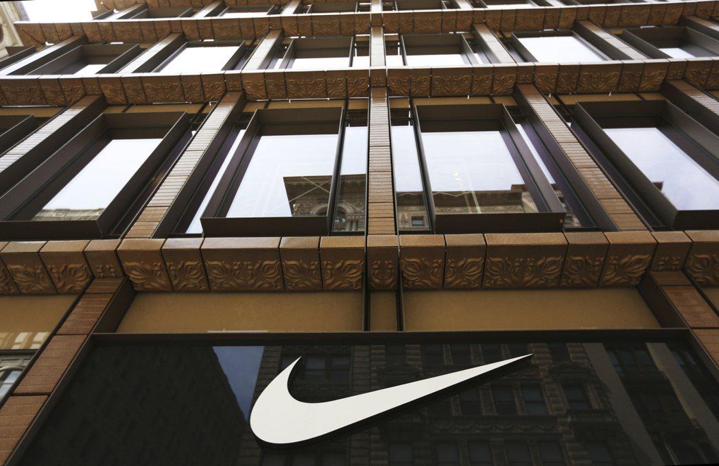 Nike證實將與亞馬遜合作,第4季財報受惠於海外收入,表現意外亮眼。(美聯社)