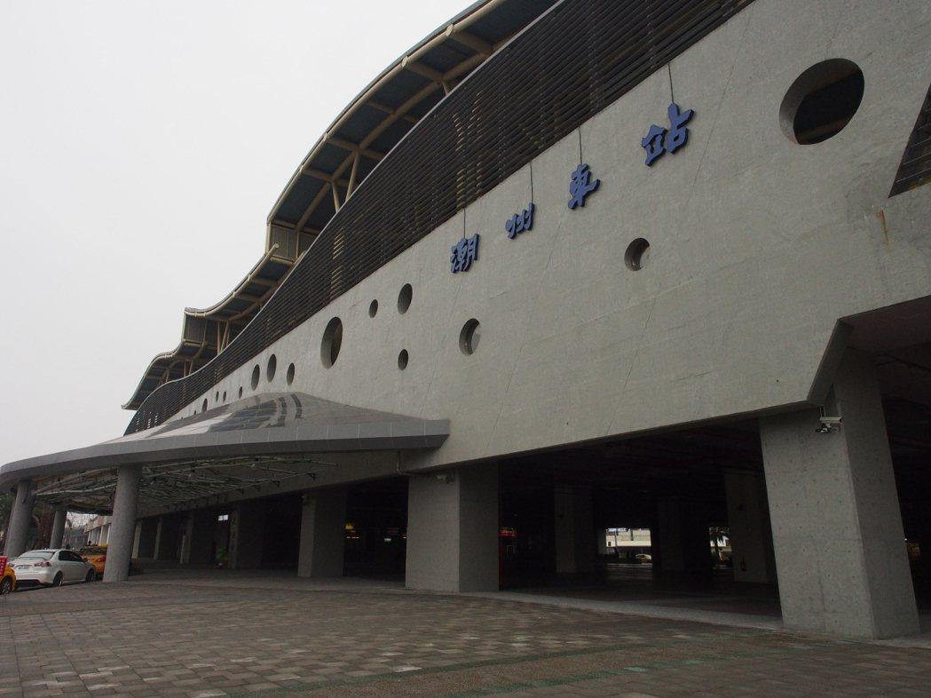 潮州火車站未來將引進多功能宴會廳及貨櫃市集等。本報資料照片