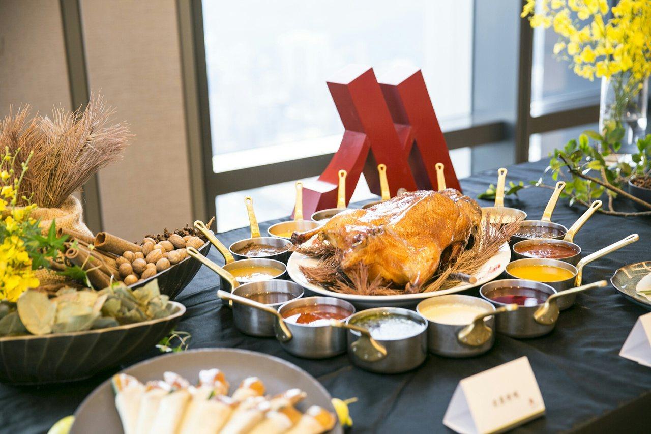 冠軍鴨,台北萬豪「冰火烤鴨三重奏」出線。圖/台北萬豪酒店提供
