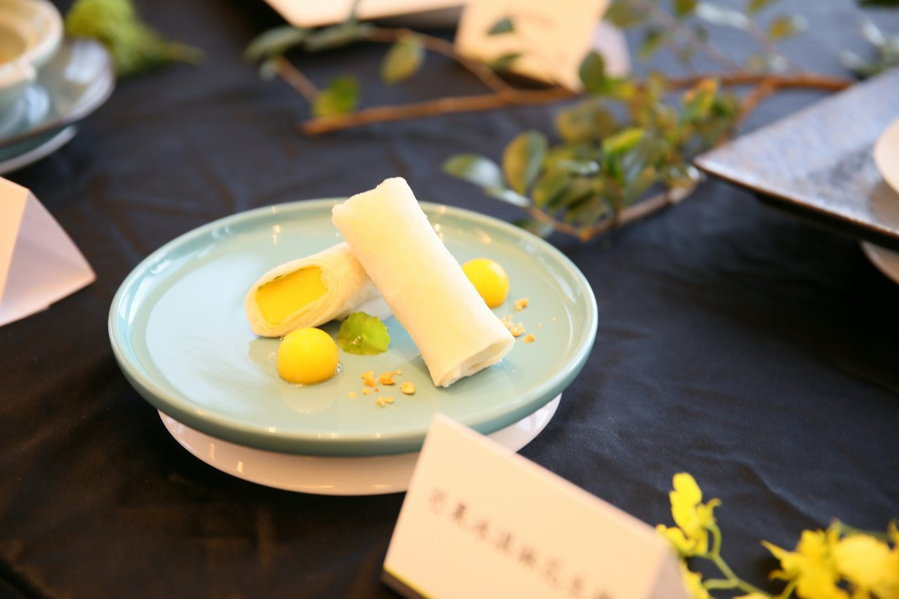 芒果冰淇淋花生捲美味收口。圖/台北萬豪酒店提供