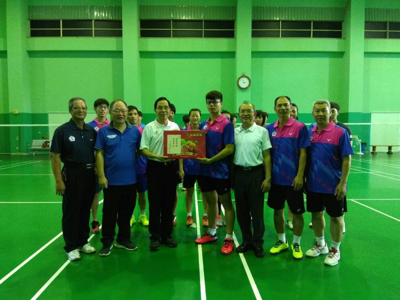 聽障奧運羽球隊在女單、女雙、混雙都有爭金奪銀的實力。圖/中華聽障者體育運動協會提...