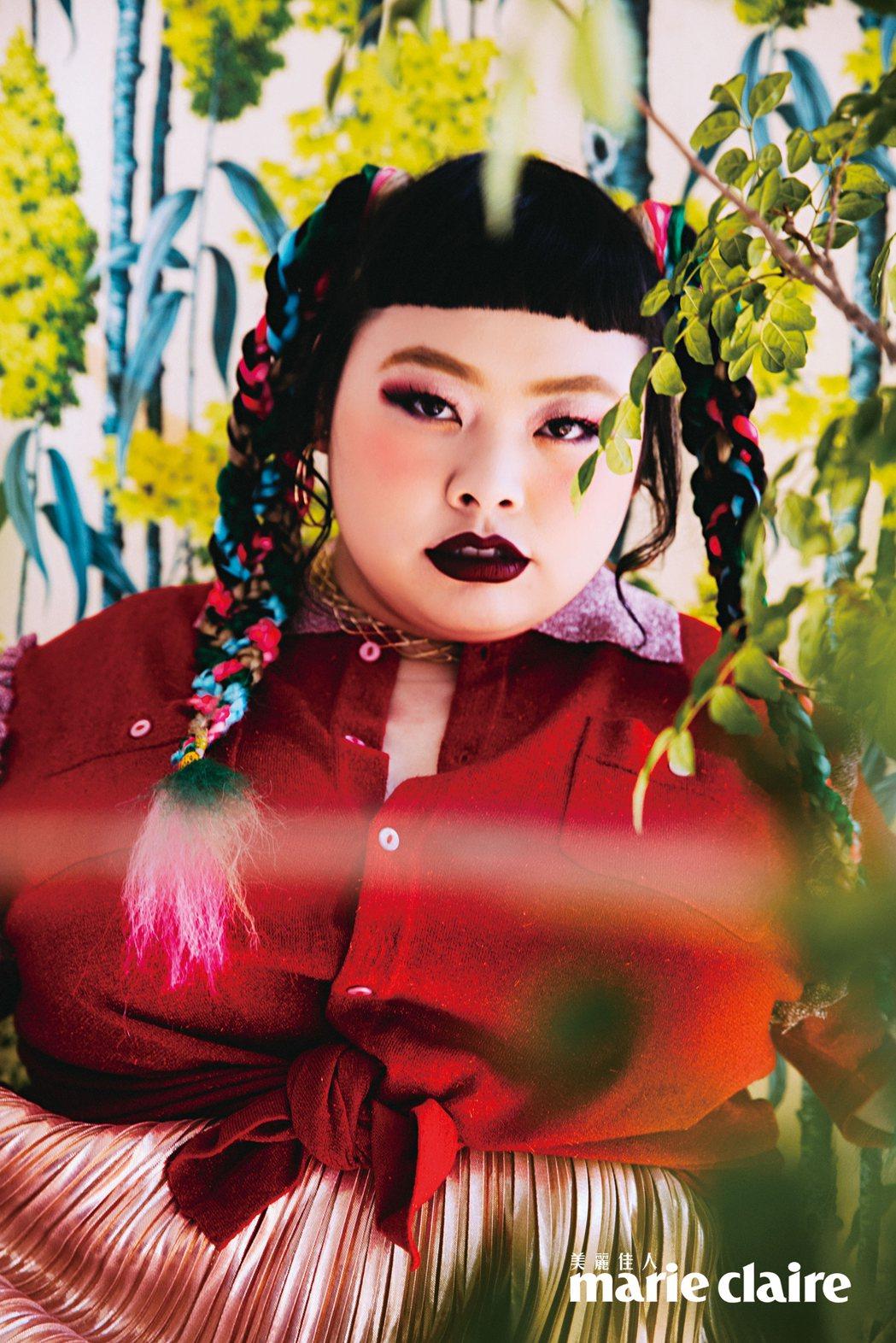 渡邊直美登上時尚雜誌,拍照很有名模架式。圖/Marie Claire美麗佳人提供