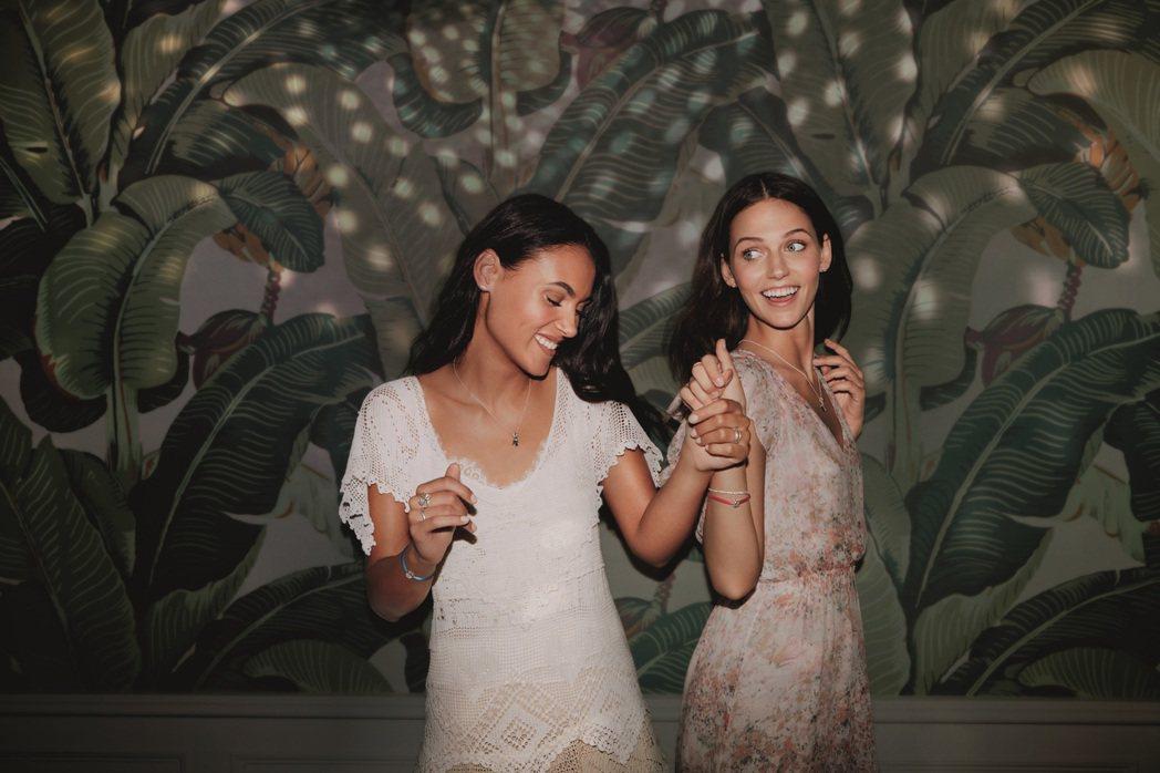 PANDORA今年初秋系列強調用珠寶串起友誼之間的緊密情感與默契的精神。圖/PA...