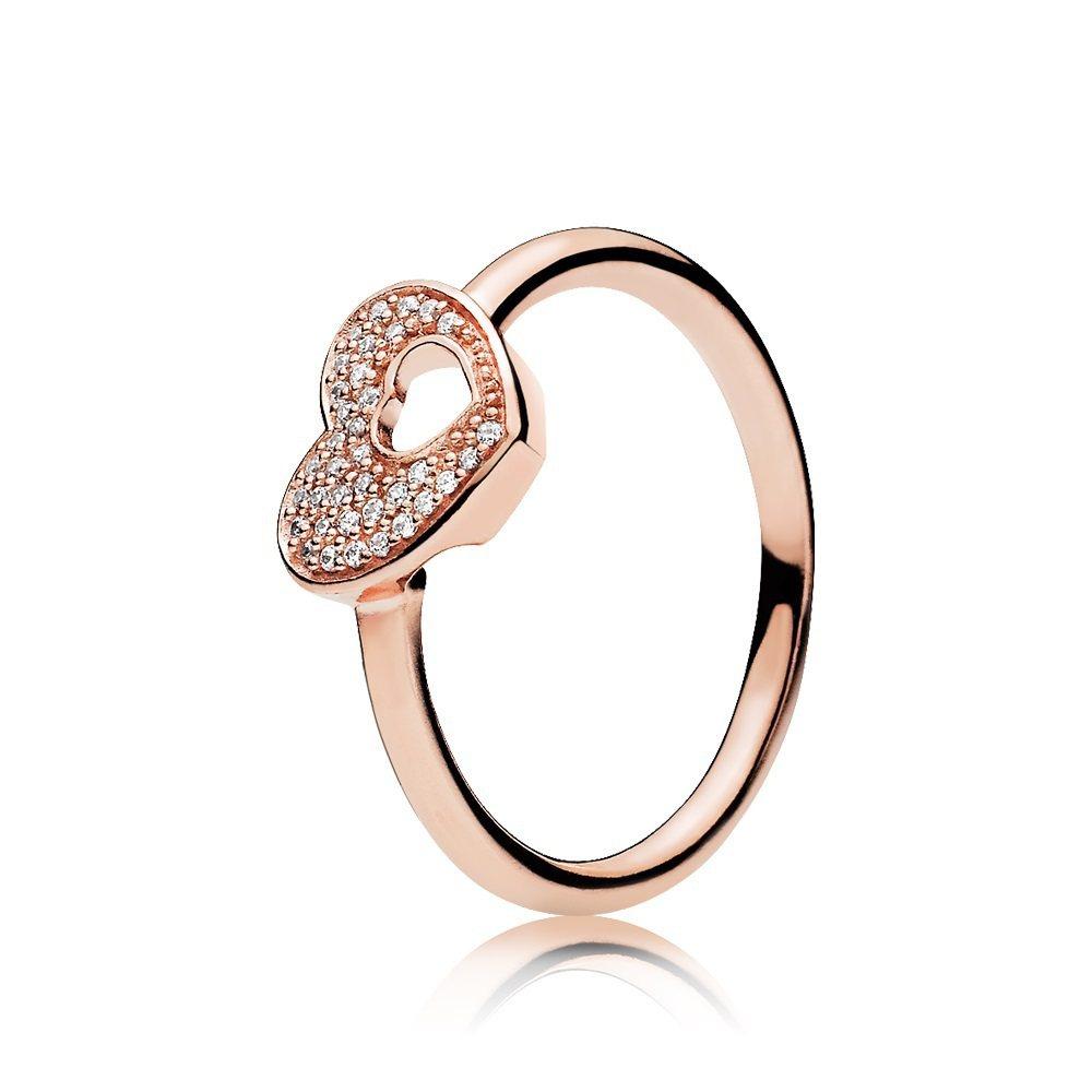 秋季玫瑰金Puzzle Heart鋯石戒指,2,580元。圖/PANDORA提供