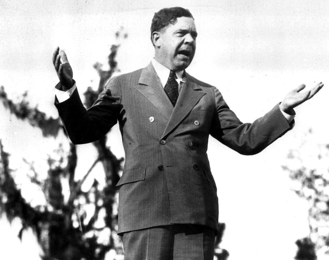 路易斯安那州的參議員朗(Huey Long)1932年為反對羅斯福總統新政的部分...