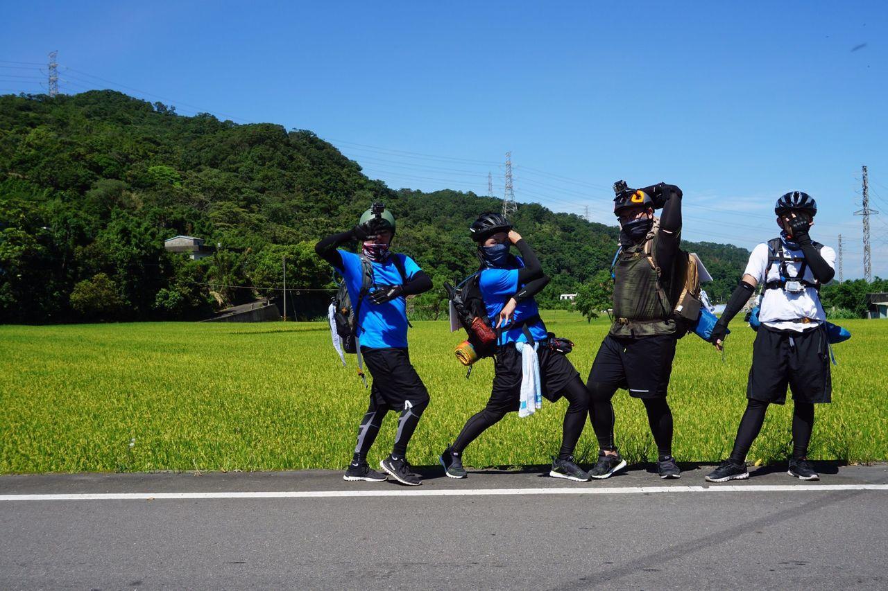 四位明新科大的學生預計20天環島,沿途要記錄心得。圖/江瑋豪提供