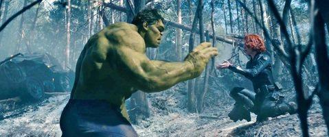 女星史嘉莉喬韓森才剛演完「攻殼機動隊」,隨即就投入「復仇者聯盟3:無限之戰」的拍攝,影迷最關心的部分莫過於她與飾演「綠巨人浩克」馬克魯法洛之間的戀情是否會有更進一步的發展,但影迷可能要失望了,就連喬...