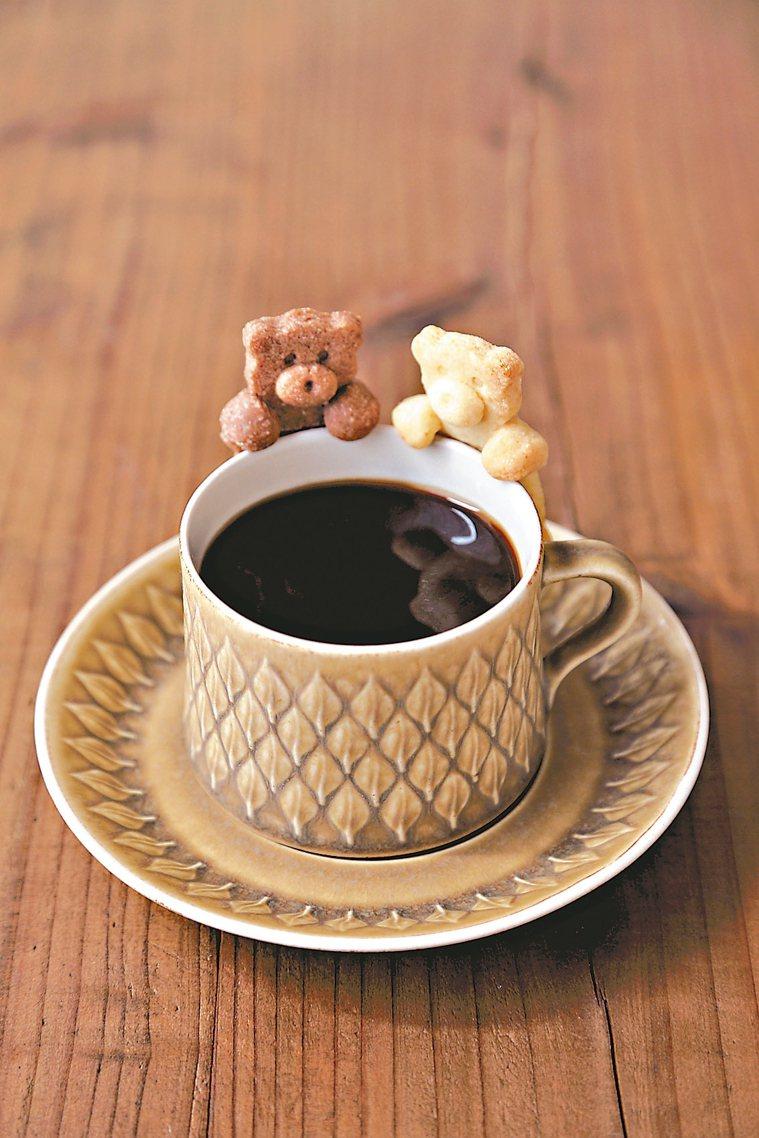 小熊杯緣子餅乾 圖/摘自采實文化《小烤箱也OK!杯緣子餅乾》