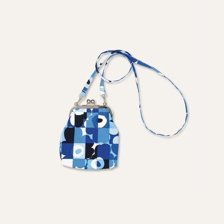 Marimekko Finland 100 系列,印花小包,3,350元。圖/M...