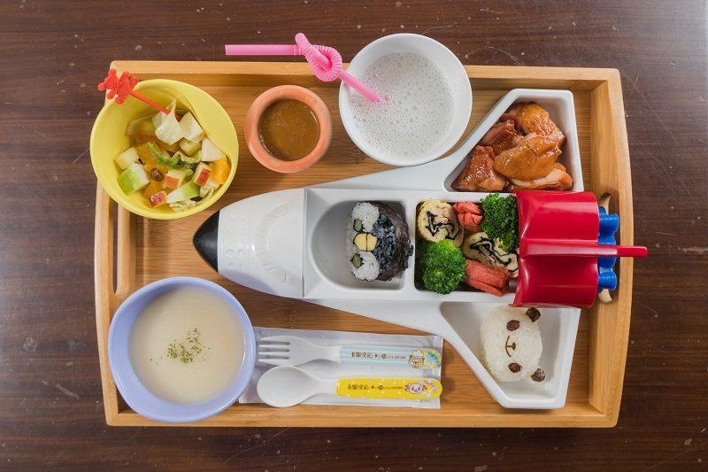 飛機造型兒童餐為孩子打造獨特饗宴