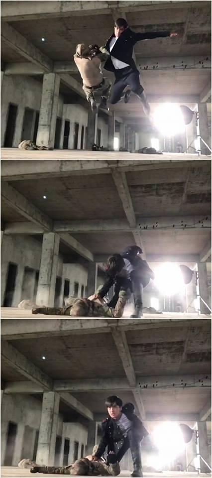 Evan PO出動作戲帥照。圖/摘自臉書