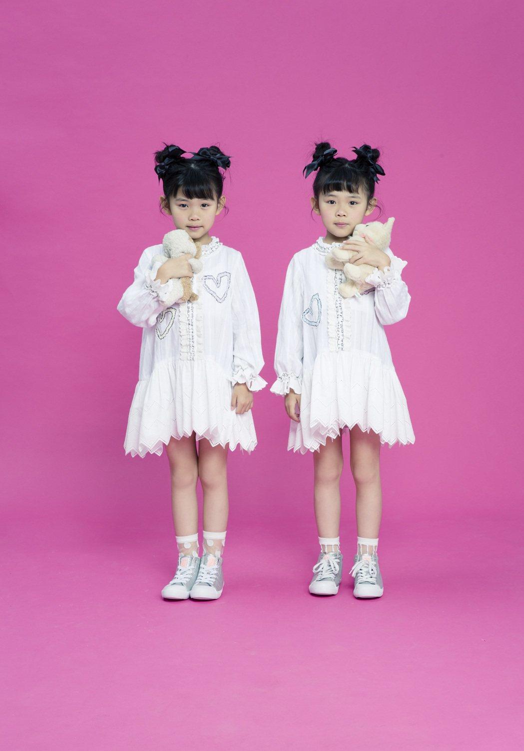 左左右右發行第三張新EP「奇幻心樂園」。圖/豐華提供