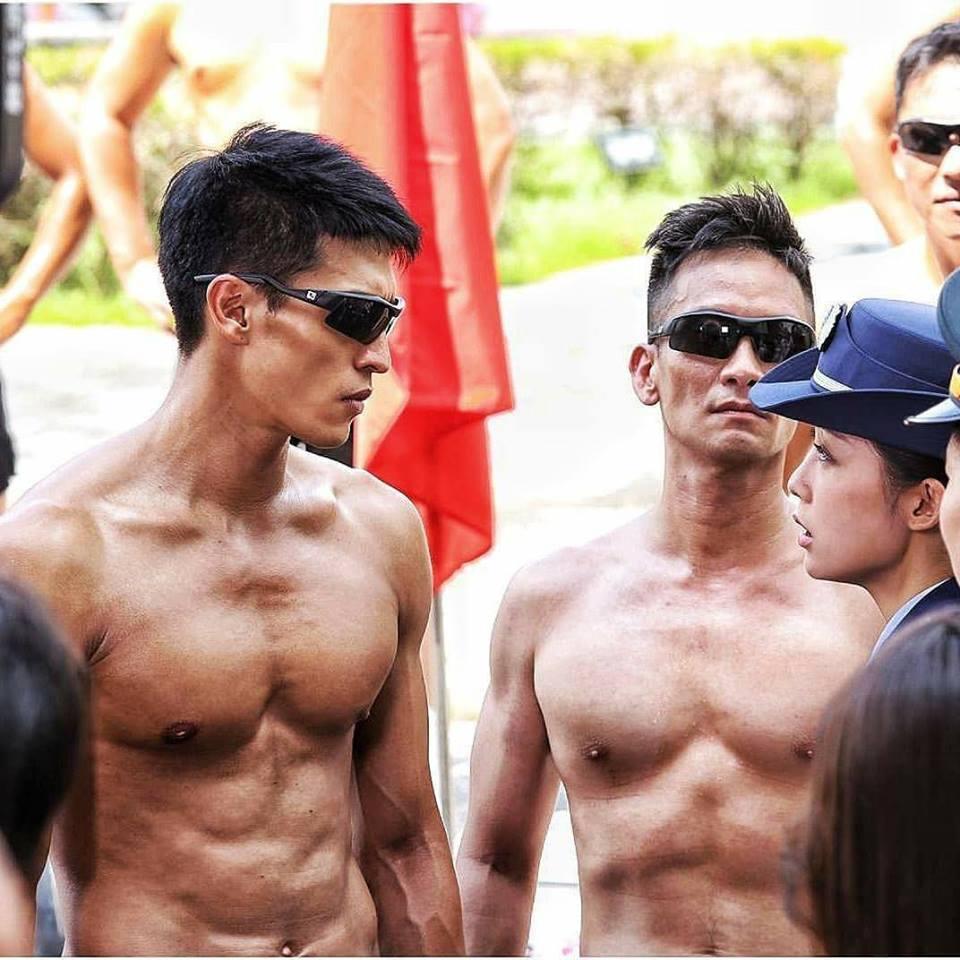 陳禕倫(左)、高山峰演出國軍形象劇「最好的選擇」練出筋肉人體態。圖/摘自陳禕倫臉